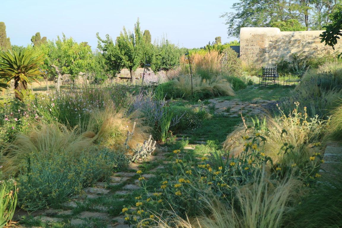 Giardino Di Una Casa il giardino: lusso o necessità?   stefano assogna